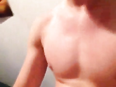 Amateur boy films his masturbation on the phone